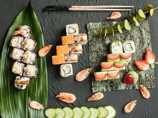 Собирать пазл Японский обед онлайн