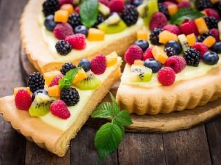 Собирать пазл Яркий пирог онлайн