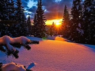 Собирать пазл Закат и снег онлайн