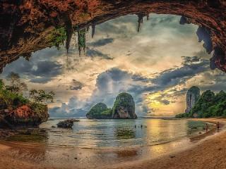Собирать пазл Закат на пляже онлайн
