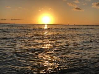 Собирать пазл Закат над океаном онлайн