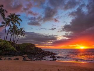 Собирать пазл Закат над пляжем онлайн