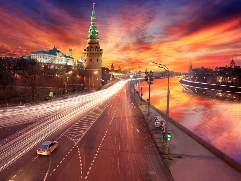 Пазл Собирать пазлы онлайн - Закат в Москве
