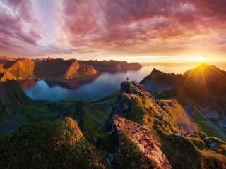 Собирать пазл Закат в Норвегии онлайн