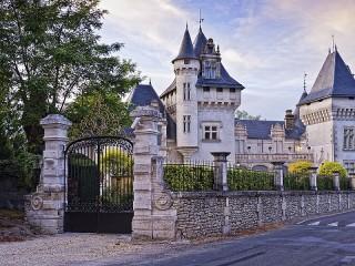 Собирать пазл Замок Шомон онлайн