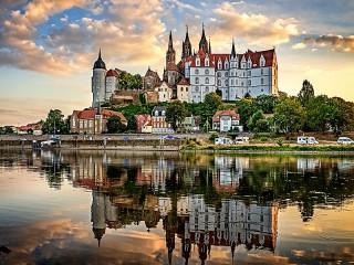 Собирать пазл Замок Альбрехтсбург онлайн