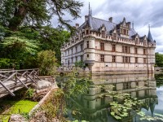 Собирать пазл Замок Азу Ле Ридо онлайн