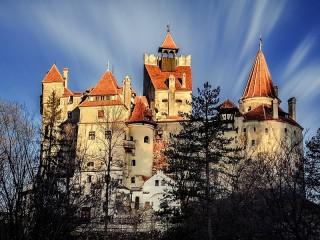 Собирать пазл Замок Бран онлайн