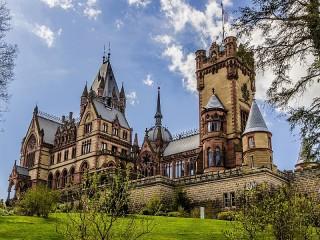 Собирать пазл Замок Драхенбург онлайн