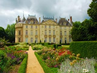Собирать пазл Замок Ле Люд  онлайн