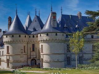 Собирать пазл Замок на Луаре онлайн