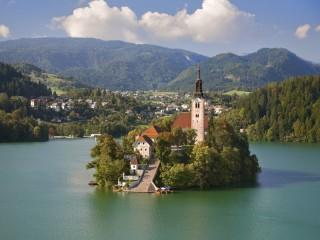 Собирать пазл Озеро Блед. Словения онлайн