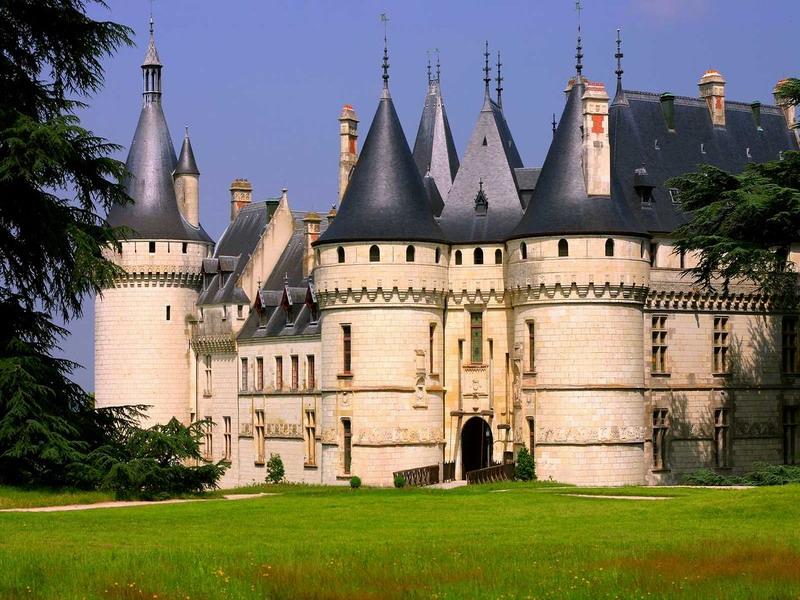 Пазл Собирать пазлы онлайн - Замок Шомон на Луаре
