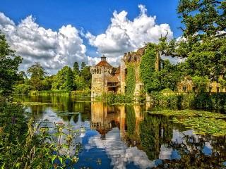 Собирать пазл Замок Скотни онлайн