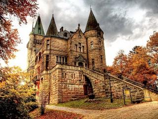 Собирать пазл Замок Телеборг онлайн