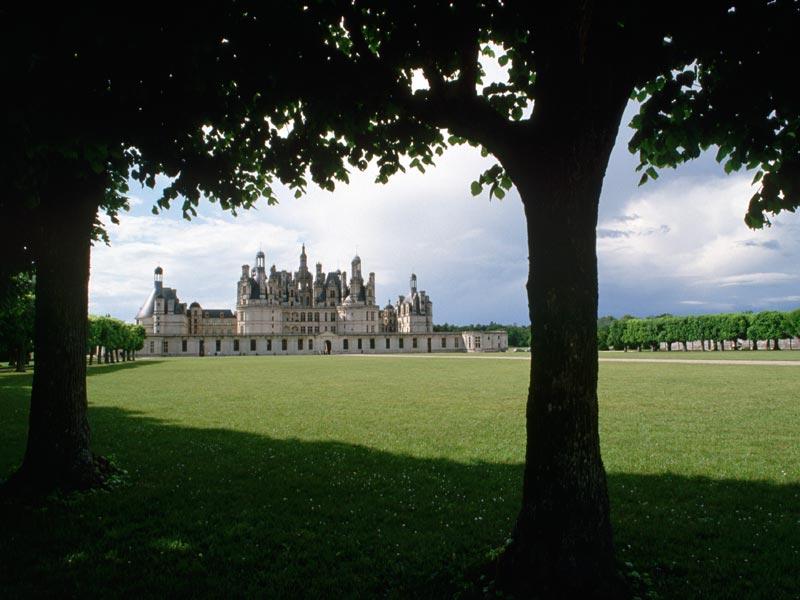 Пазл Собирать пазлы онлайн - Замок вдали
