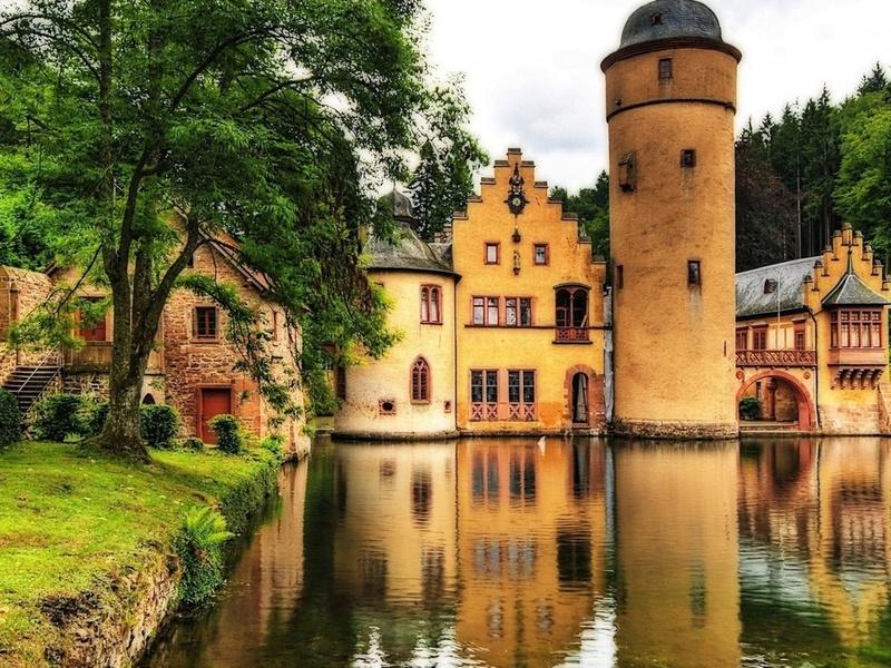 Пазл Собирать пазлы онлайн - Замок в Германии