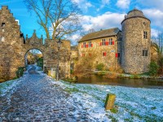 Собирать пазл Замок в Германии онлайн