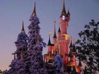 Собирать пазл Замок в Диснейленде онлайн