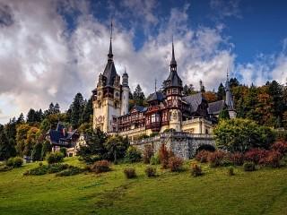 Собирать пазл Замок в Румынии онлайн