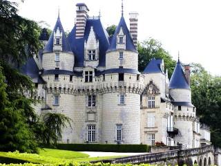 Собирать пазл Замок Юссе онлайн