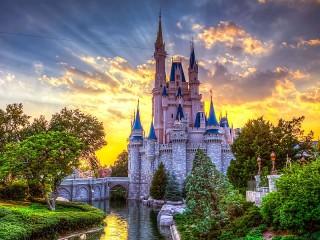 Собирать пазл Замок Золушки онлайн