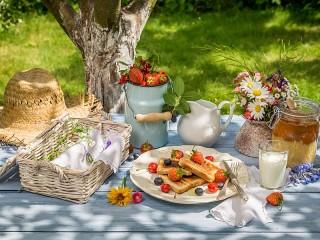 Собирать пазл Завтрак на природе онлайн