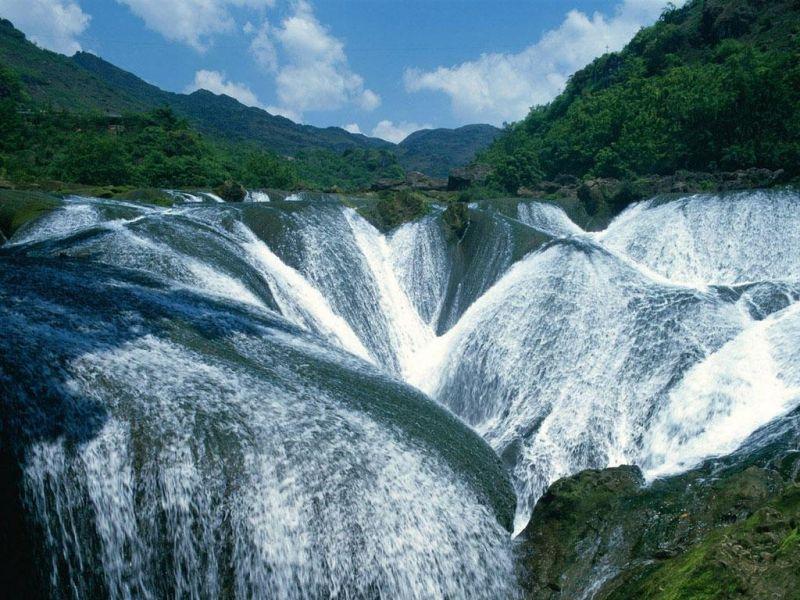 Пазл Собирать пазлы онлайн - Жемчужный водопад