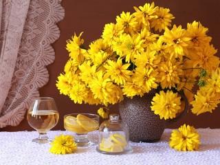 Собирать пазл Жёлтая рудбекия онлайн
