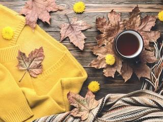 Собирать пазл Жёлтый свитер онлайн
