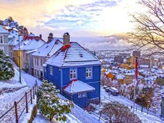 Собирать пазл Зимний Берген онлайн