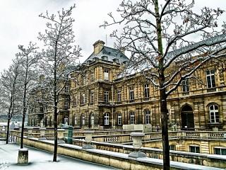 Собирать пазл Зимний Париж онлайн