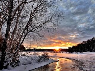 Собирать пазл Зимний закат онлайн