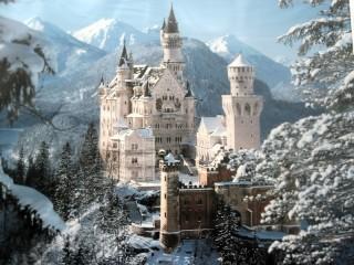 Собирать пазл Зимний замок онлайн