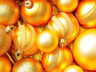 Собирать пазл Золотые шары онлайн