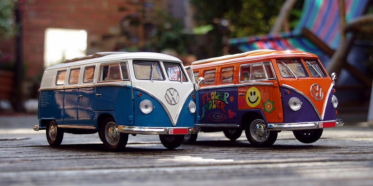 Пазл Собирать пазлы онлайн - Автобусы игрушки