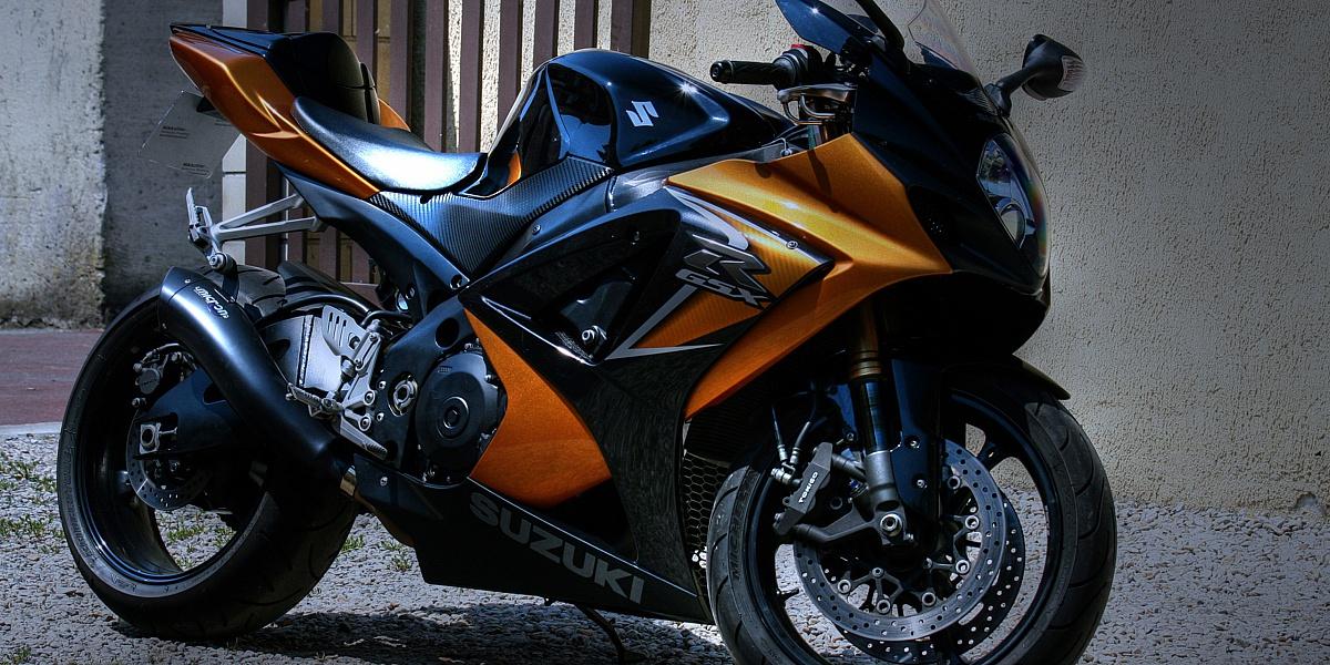 Пазл Собирать пазлы онлайн - Мотоцикл SUZUKI