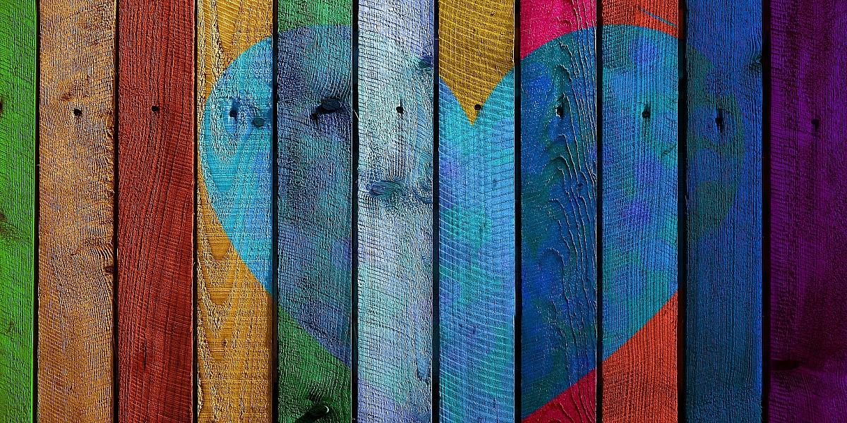 Разноцветный забор картинки