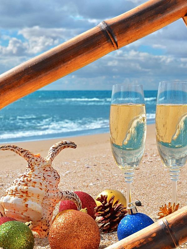 Пазл Собирать пазлы онлайн - Новый год у моря